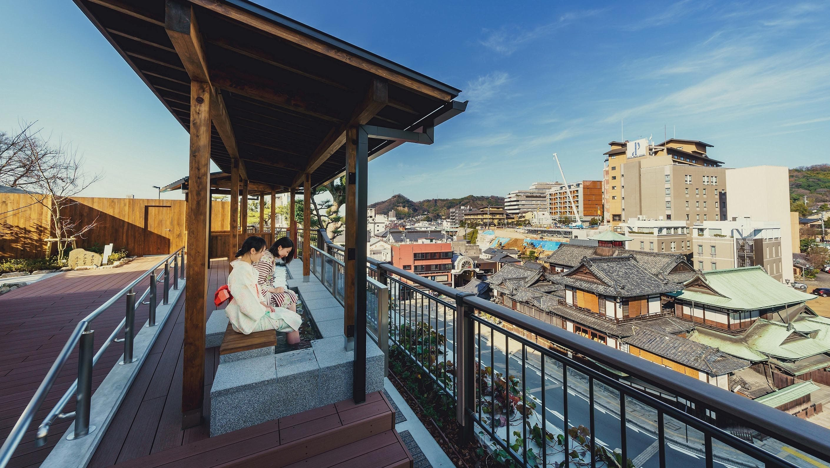 Sora-no-Sanpomichi (sky promenade & footbath)